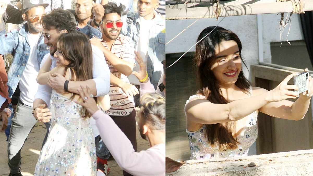 Pics: Shraddha Kapoor Celebrates B'Day With Tiger Shroff & Fans
