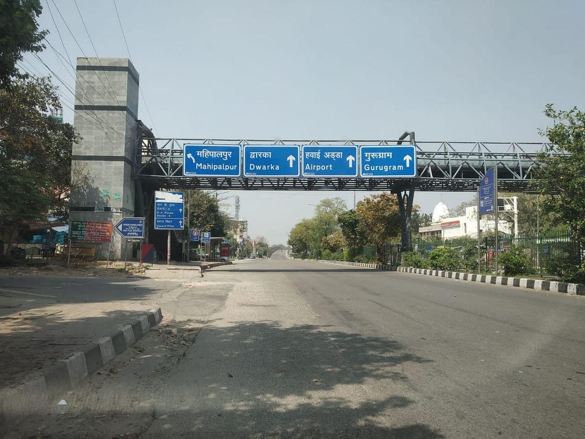 Deserted roads in Delhi.