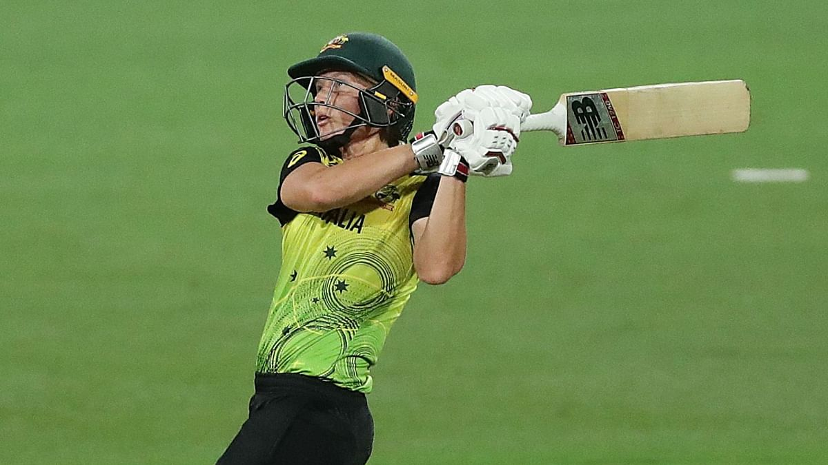 Meg Lanning hit four fours and a six as she remained unbeaten on 49 for Australia.