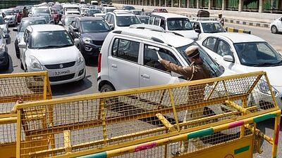 Delhi Police to Seal All Border Pickets, Issue Curfew Passes