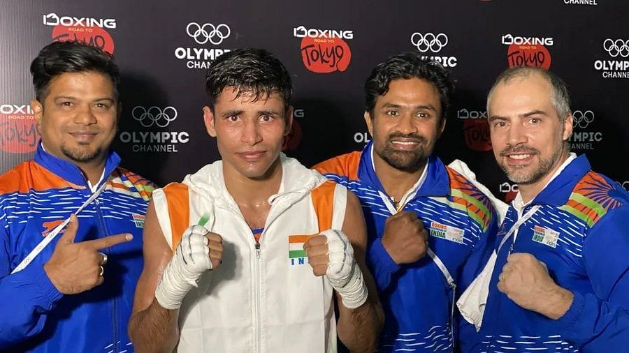 Asian Olympics Boxing Qualifiers: Ashish Kumar (centre) won 5-0 in a lop-sided contest to set up a clash with Indonesia's Maikhel Roberrd Muskita in the next round.