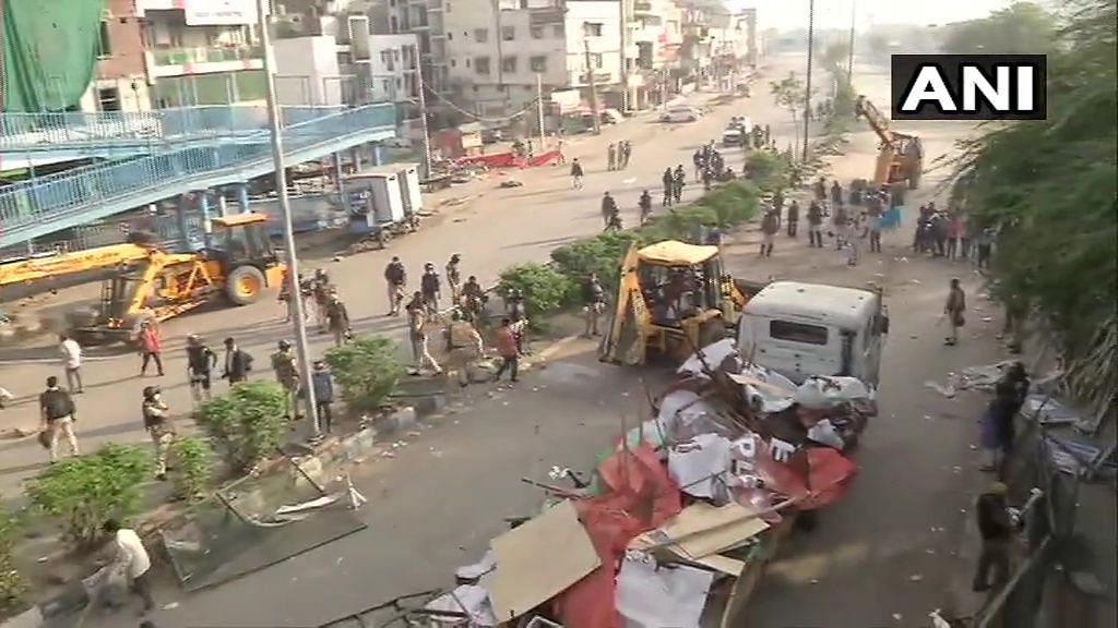 Shaheen Bagh protest site being cleared by the police officials amid coronavirus outbreak.