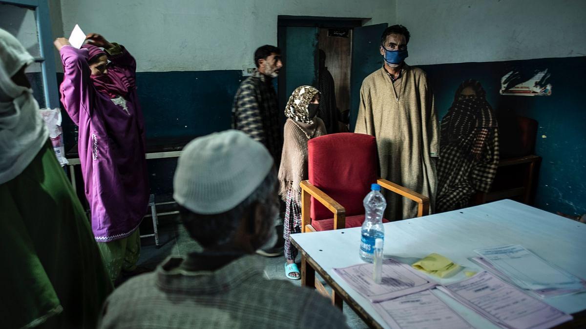 8-Month-Old Grandchild of Kashmiri COVID-19 Victim Tests Positive