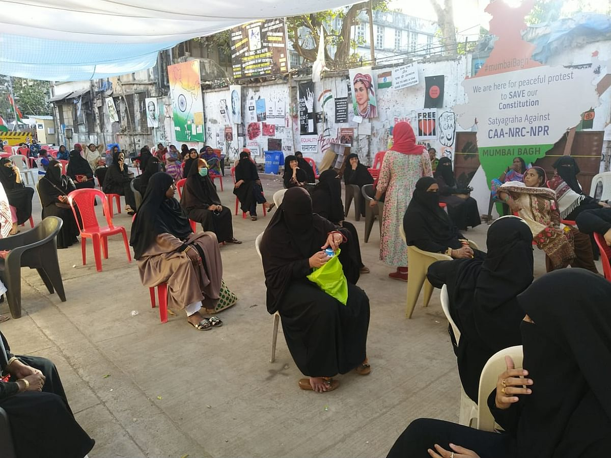 Mumbai Bagh protesters continued sit-in with fewer women for a few days, amid coronavirus scare.