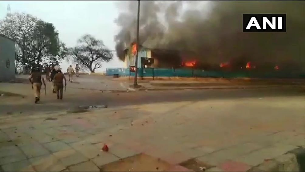 Fire Breaks out at Shelter Home Near Kashmiri Gate in Delhi