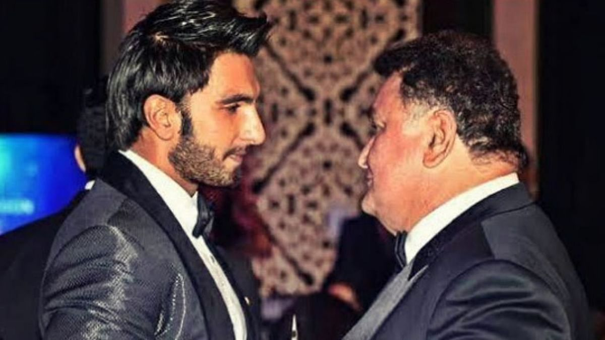 Ranveer Singh shares a picture with the late Rishi Kapoor from an event.