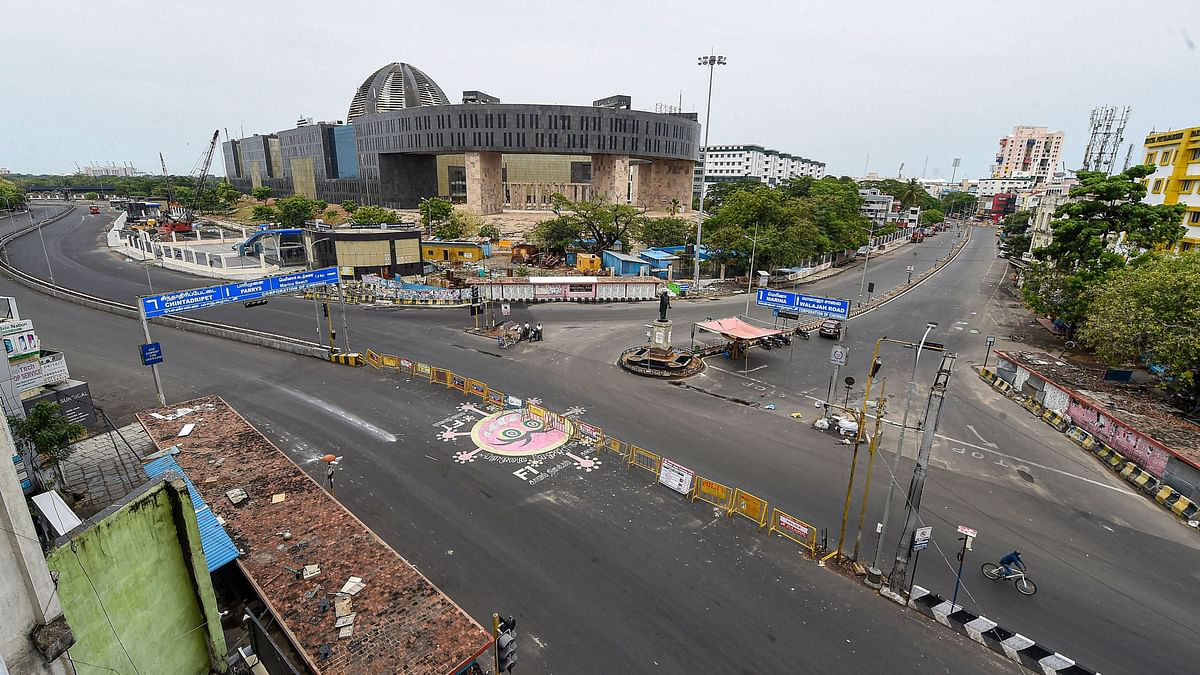 Chennai: A view of deserted roads during ongoing COVID-19 lockdown in Chennai Sunday, April 26, 2020.