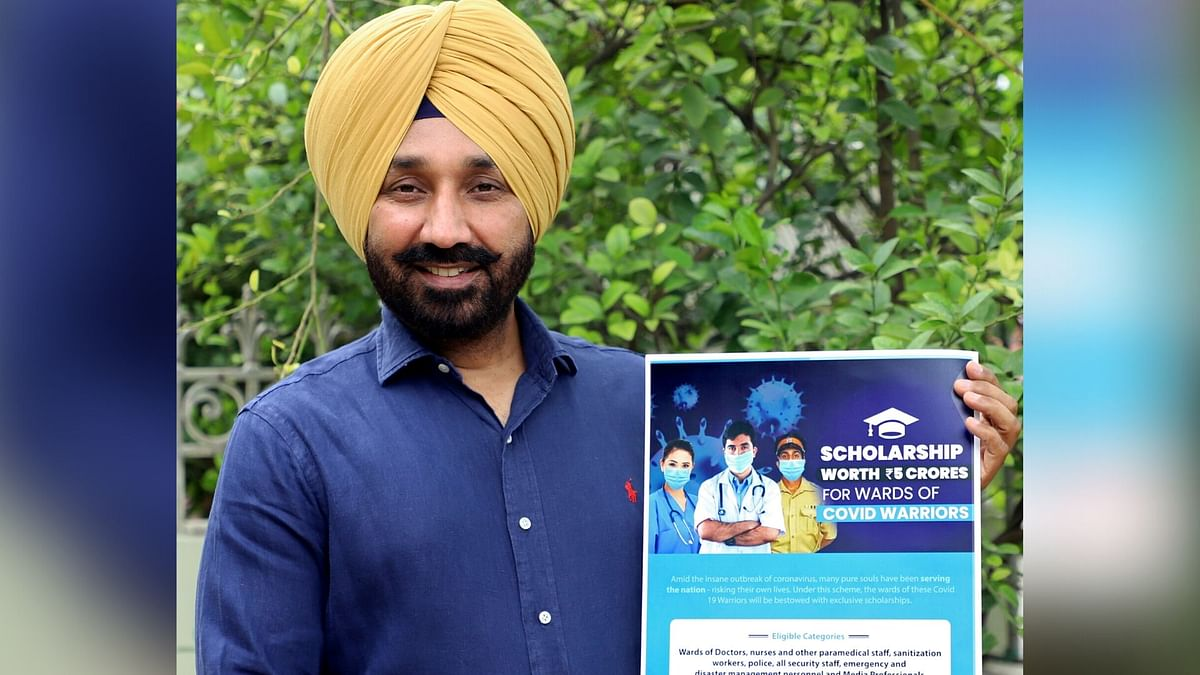 Chandigarh University Sets Up Scholarship for COVID-19 Warriors