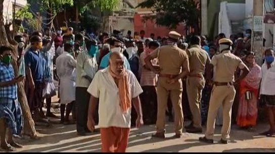 'No Money:' Labourers Protest in a COVID-19 Sealed Zone in Madurai
