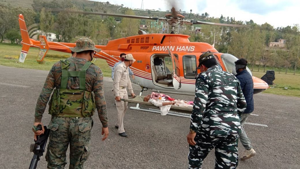 Mohammad Aarif's father being airlifted to Jammu for treatment.
