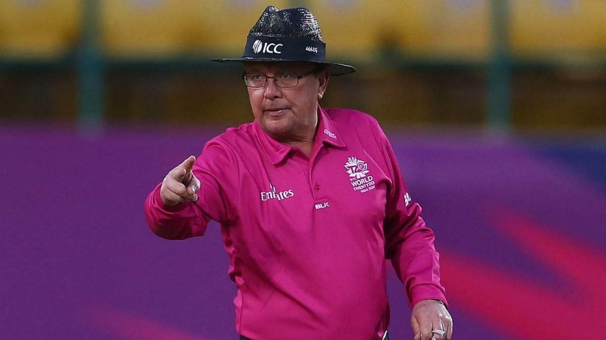 The TV official during the Aus-SA ball tampering match, Ian Gould has criticised the Aussie team.