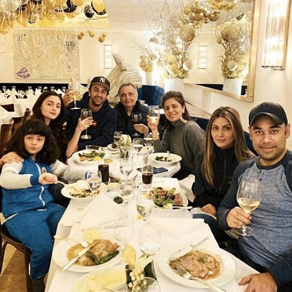 Rishi Kapoor with family.