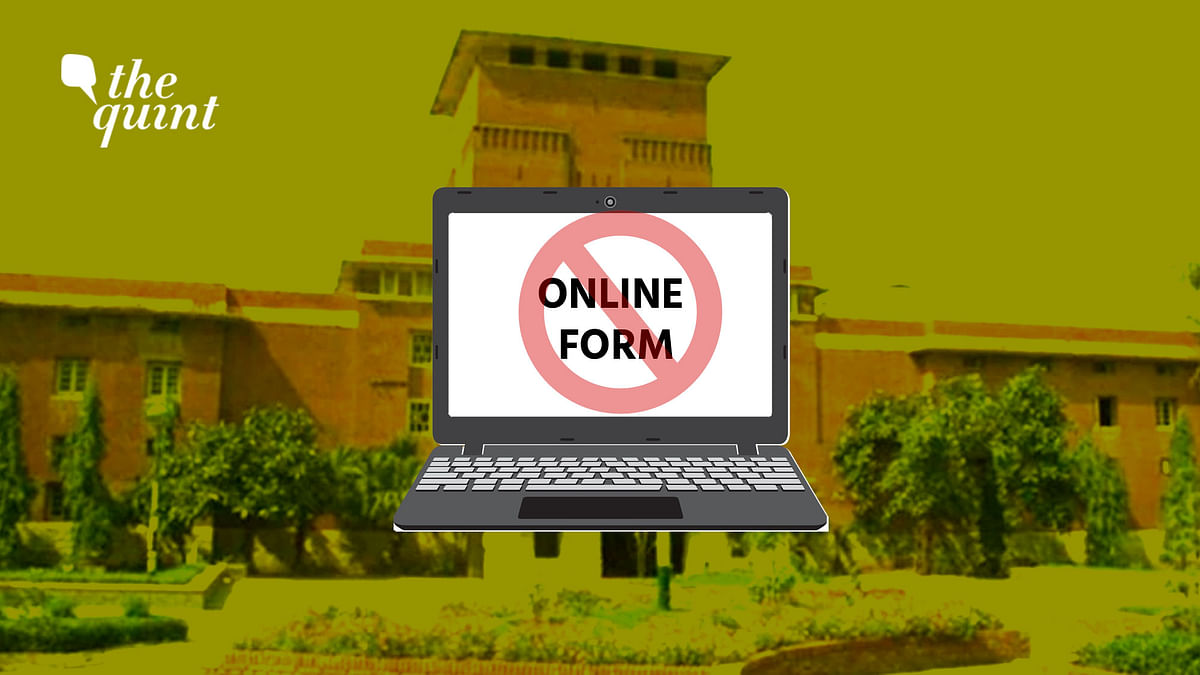 Unable to Fill Online Forms, DU Students Hope Against Online Exams