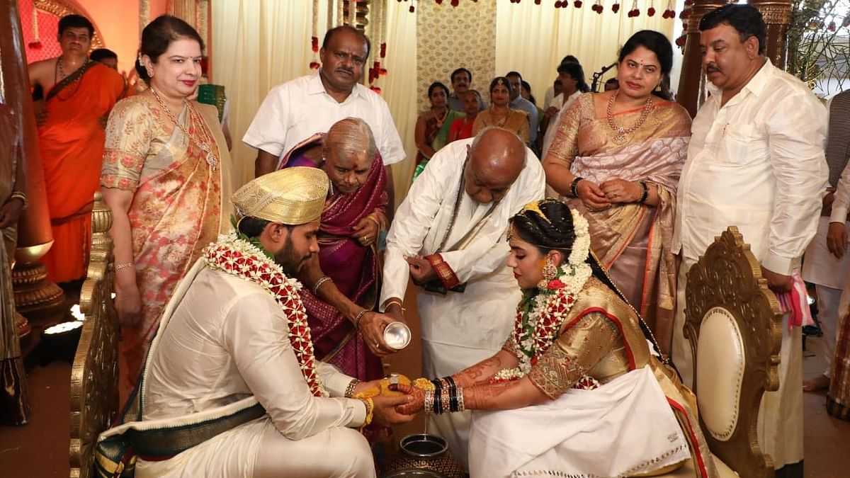 HC Seeks Govt Response on Breach of Norms at Kumaraswamy Wedding