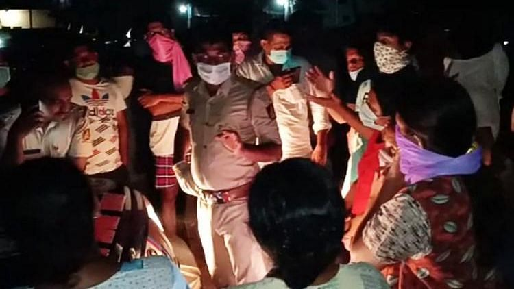 Two Cremation Grounds in Karnataka Turn Away COVID-19 Victim