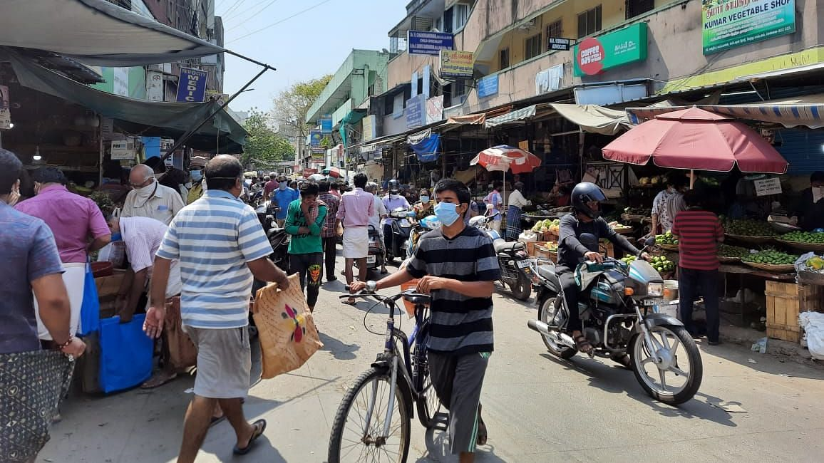 Panic, Overcrowding in 5 TN Cities as Locals Rush to Buy Basics