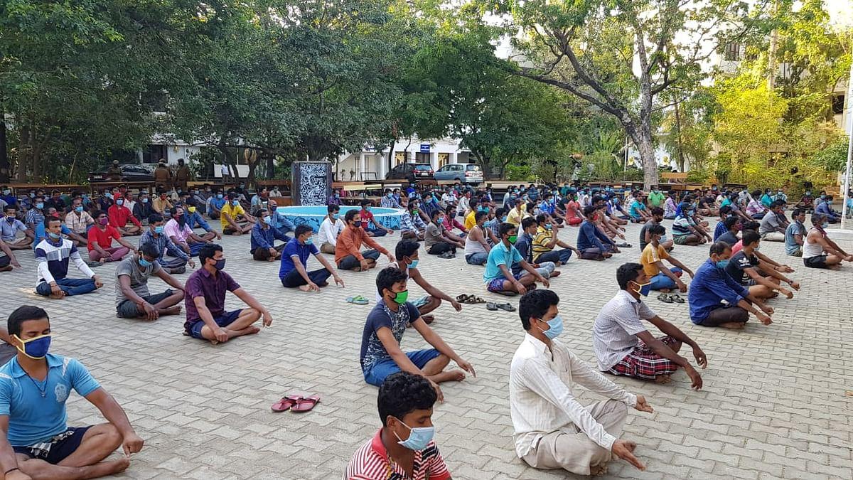 Chennai's Guru Nanak College Makes Room for 500 Migrant Labourers