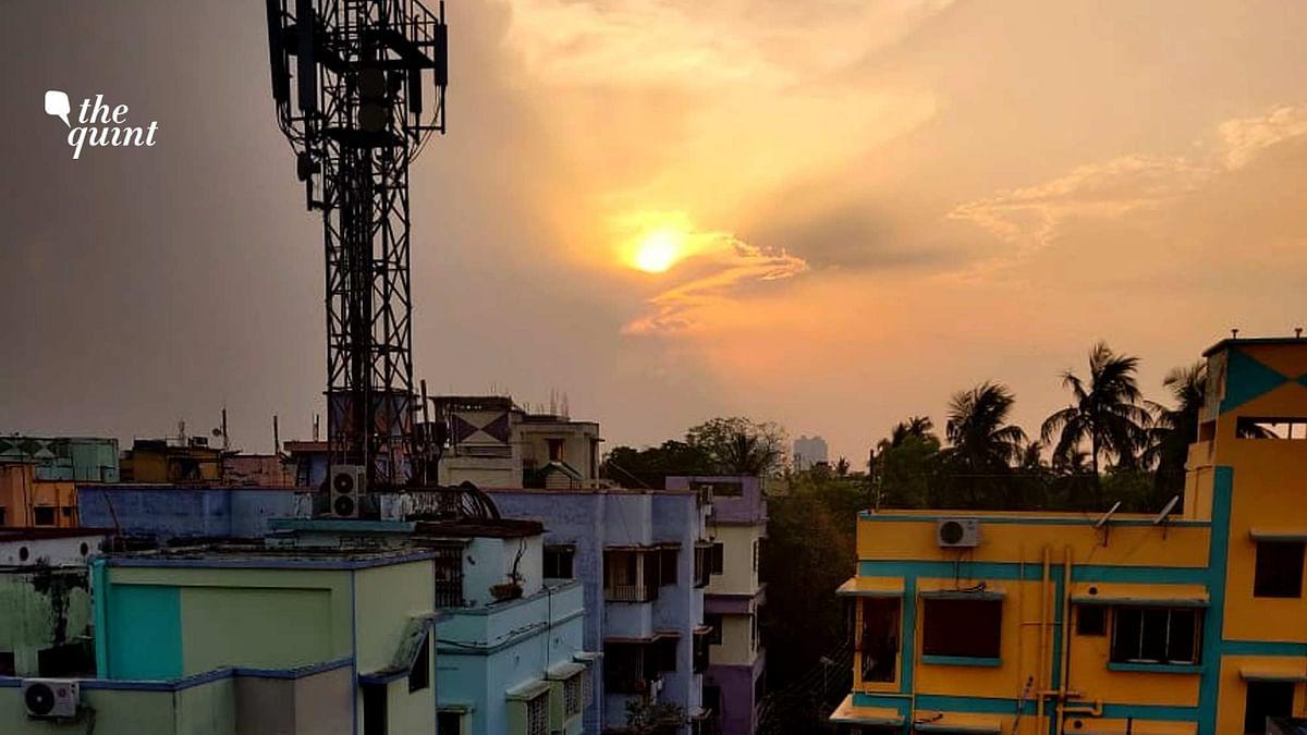 At Dusk, Coronavirus Lockdown Means Kolkata's Terraces Come Alive