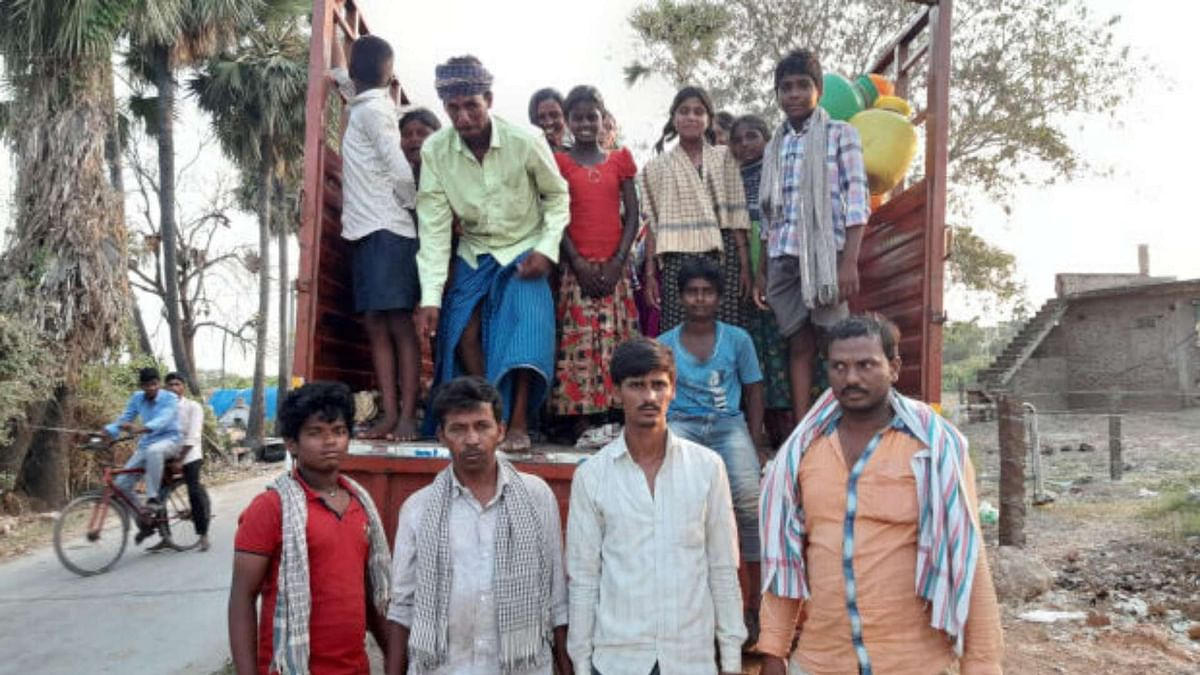 COVID-19: Andhra's Migrant Workers Left Stranded Without Supplies