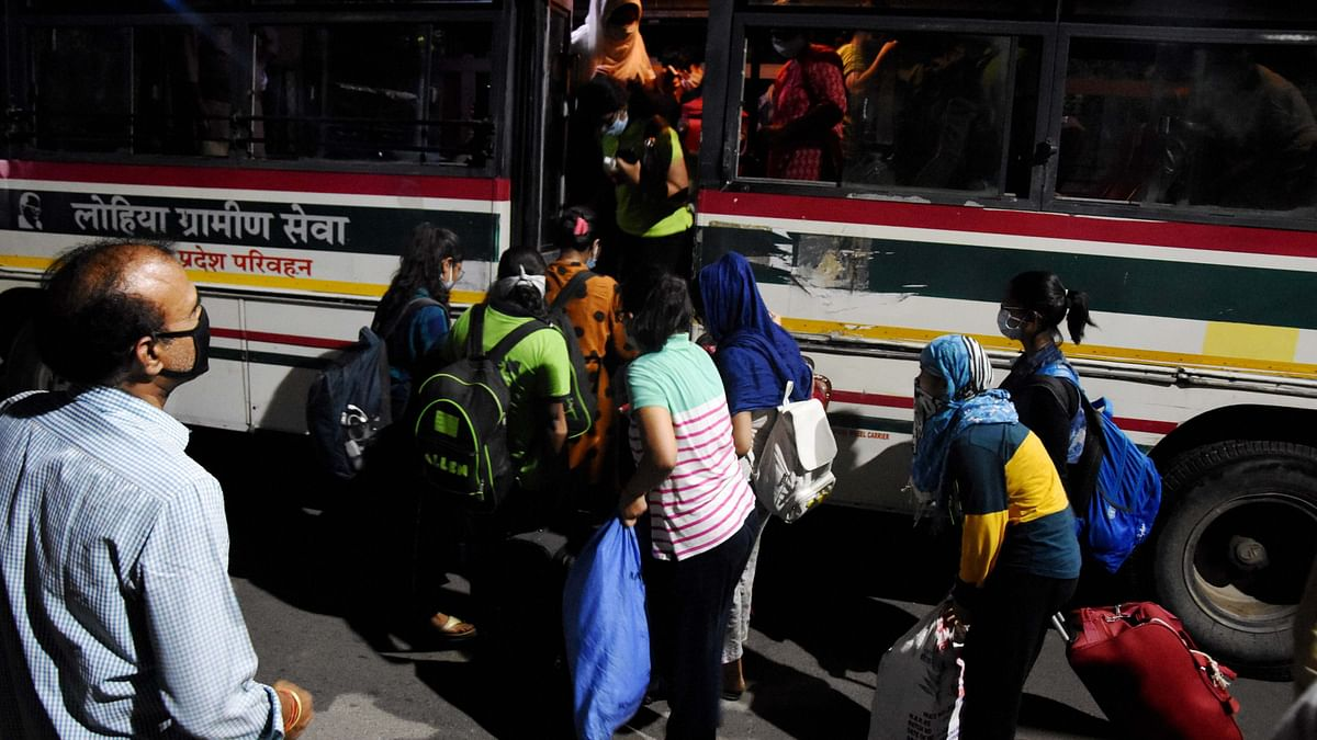 Stranded students in Kota leave for their houses. Image used for representation.
