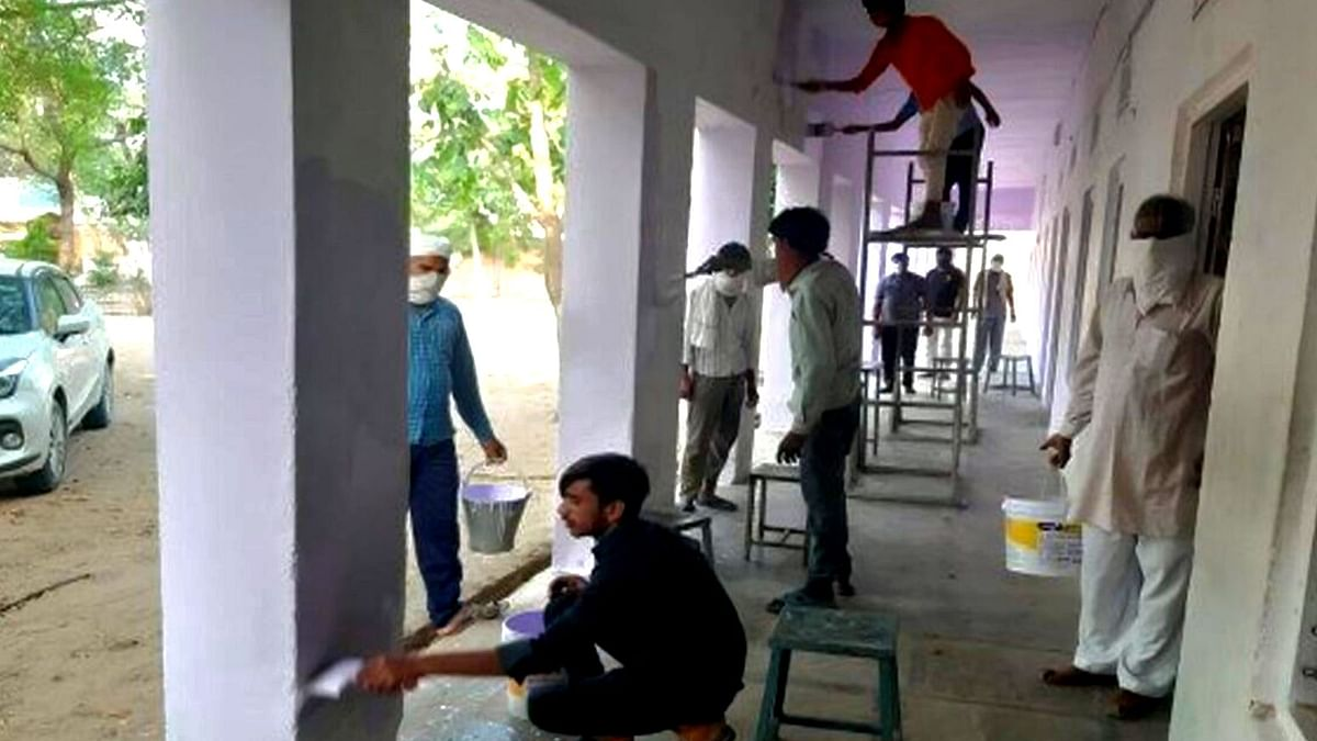 Quarantined Migrant Workers Paint Rajasthan School