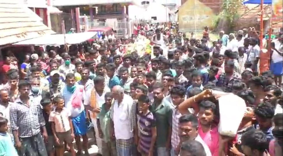 Thousands of people in Madurai took to the streets on a long procession for the funeral of a bull.