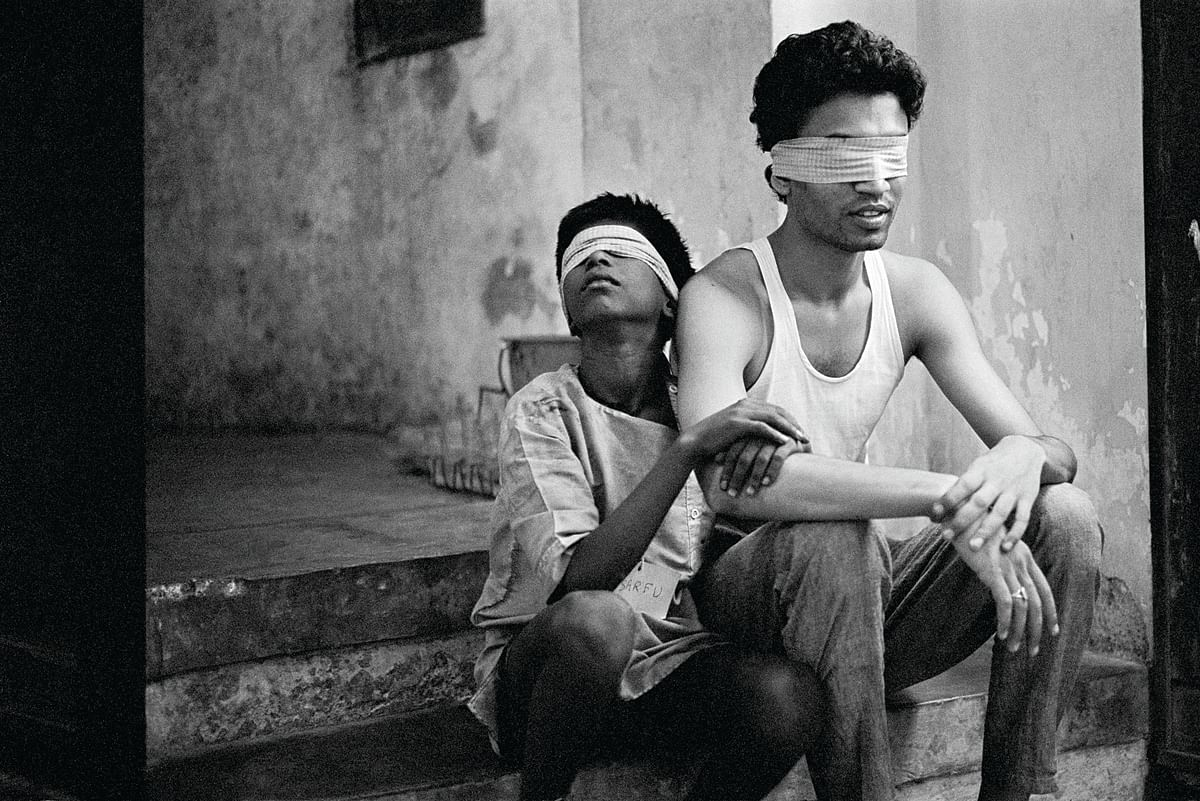 Sarfu and Irrfan in a workshop for <i>Salaam Bombay </i>in 1987.