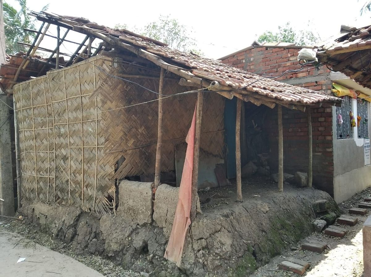 A photo of Kutubuddin's Khan home in West Bengal.