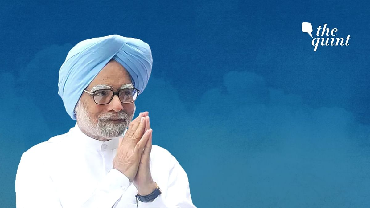 Tharoor, Other Ministers Defend Manmohan Singh Post Congress Meet