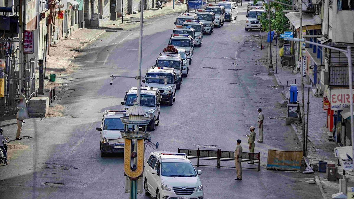Ahmedabad Lockdown: Crowd Pelts Stones at Police, 15 Detained