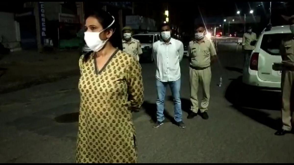 Jodhpur Cops Help  Woman Give Birth After Car Breaks Down