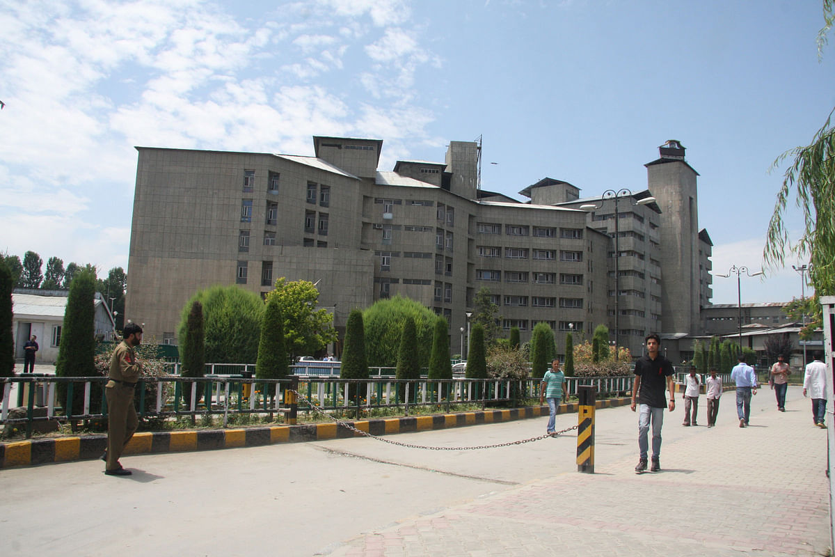 Around 40 frontline healthcare workers, including 12 doctors, were immediately put in quarantine at the Sher-e-Kashmir Institute of Medical Sciences.