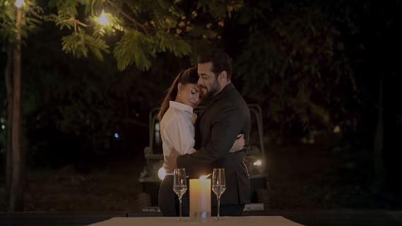 Salman, Jacqueline Romance at His Panvel Farmhouse in 'Tere Bina'