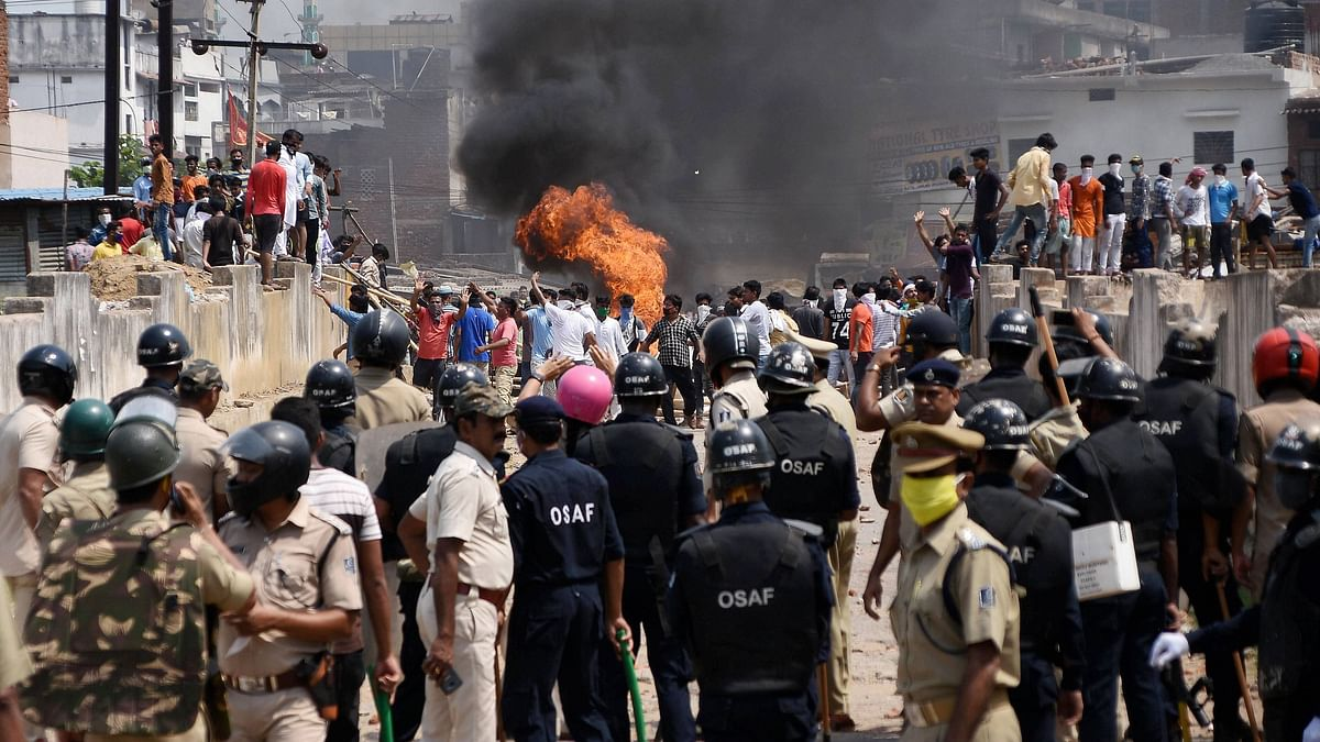A violent clash broke out between locals and police in Odisha's Rourkela.