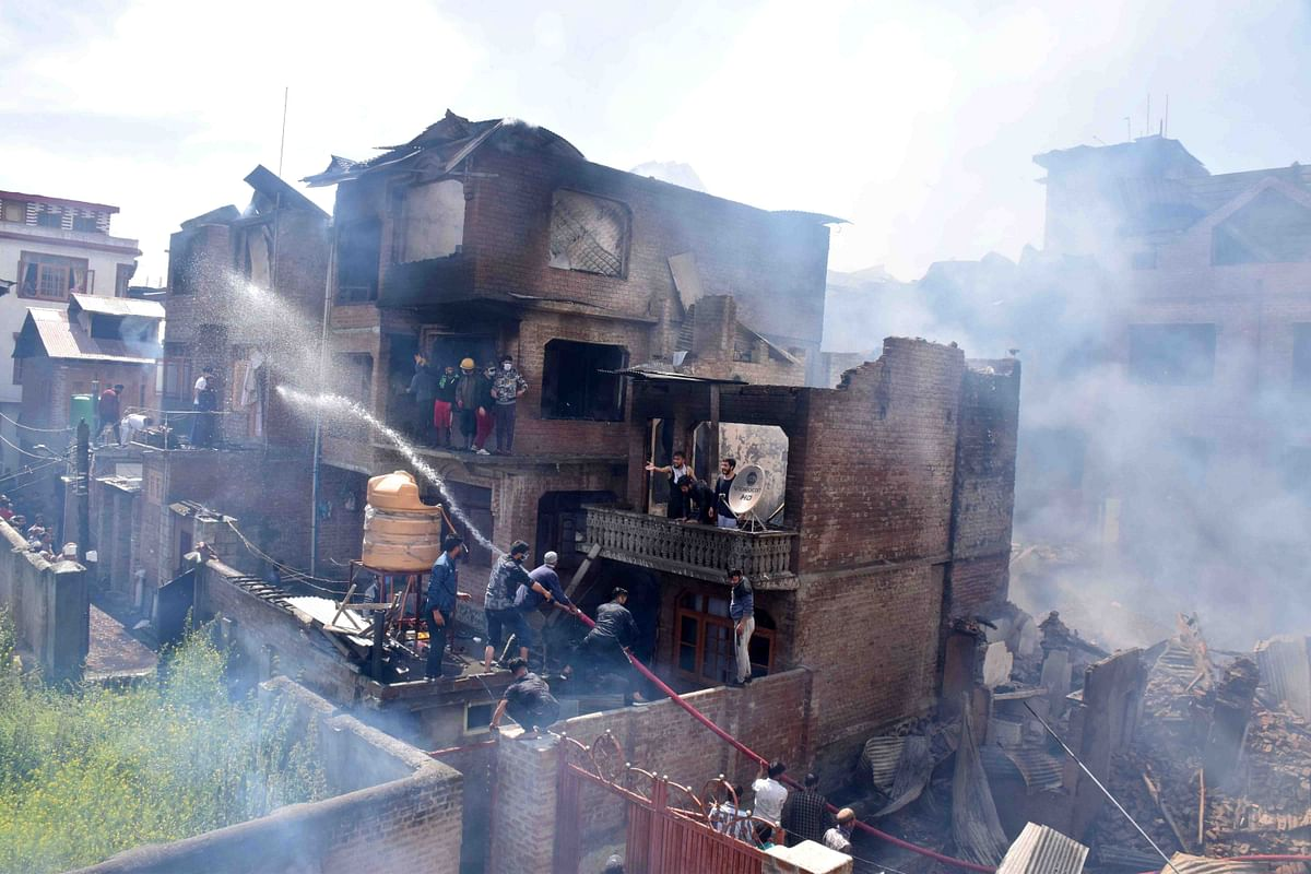 Hurriyat  Leader's Son Among 2 Hizbul Men Killed in Srinagar