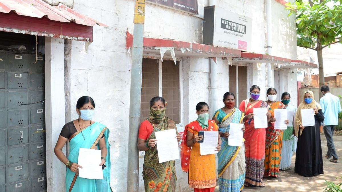Shut Liquor Shops: Karnataka Women Send Money to CM Yediyurappa