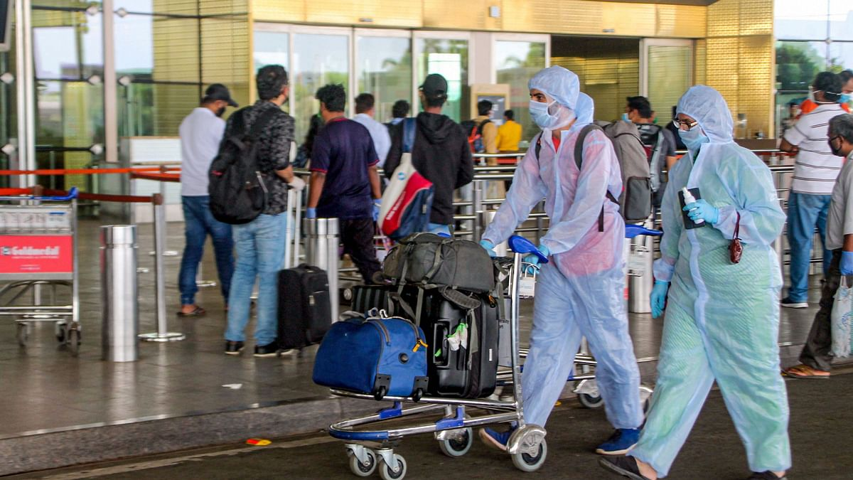 14 UK Returnees in Karnataka, 8 in Kerala Test Positive for COVID