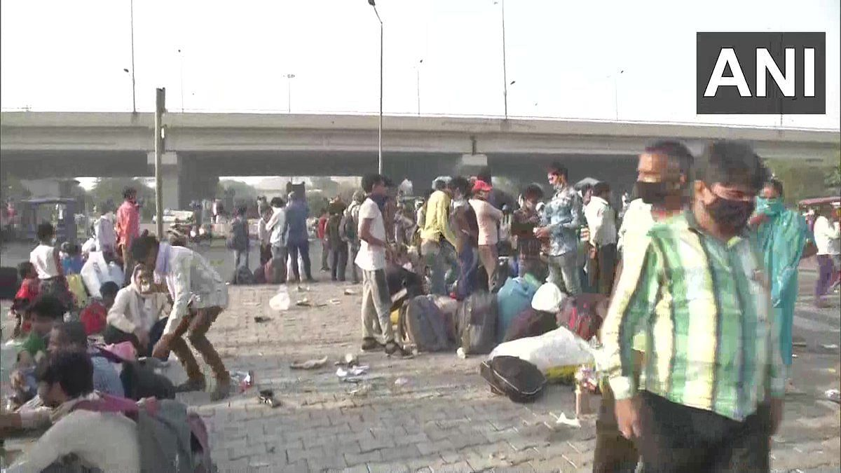 Migrants Returning Home Stopped at Delhi-UP Border in Ghazipur