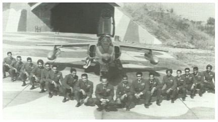 Officers of the 18 Squadron taken at Srinagar airfield in 1971.