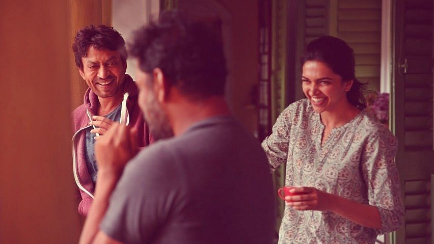 Deepika Padukone shared a picture from the sets of <i>Piku.</i>