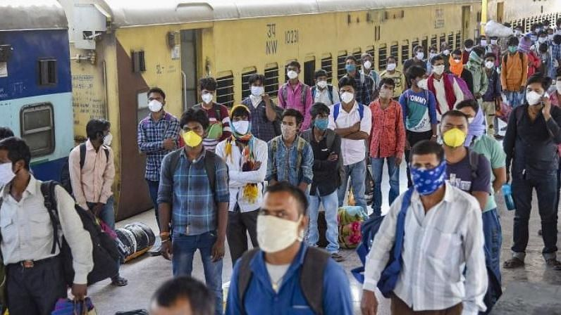 Shramik Train Passengers Protest Over Scarcity of Food & Water