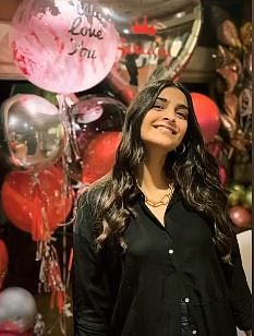 Here's How Sonam Celebrated Her B'day With Her Family in Mumbai