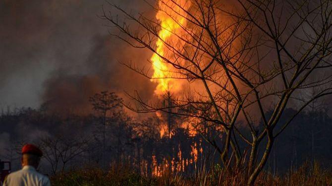 Canadian Equipment Reaches Assam as Baghjan Oil Field Fire Rages