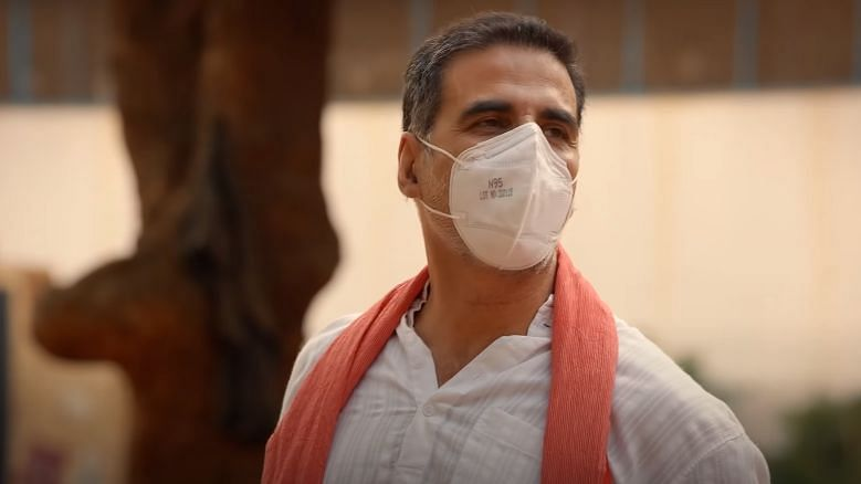 Akshay Kumar urges everyone to take all precautions as they stop outside post lockdown.