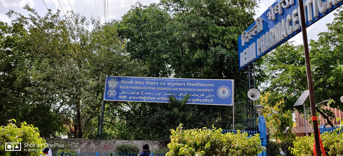 We were instructed to assemble at Delhi Institute of Pharmaceutical Sciences & Research at Badarpur-Mehrauli Road.