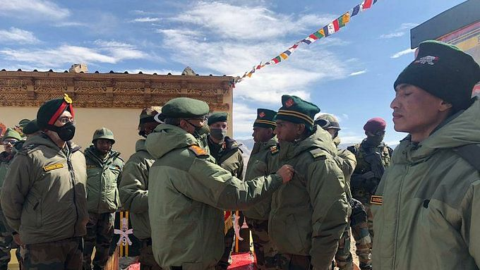 Army Chief Visits Forward Areas in Ladakh, Reviews Situation
