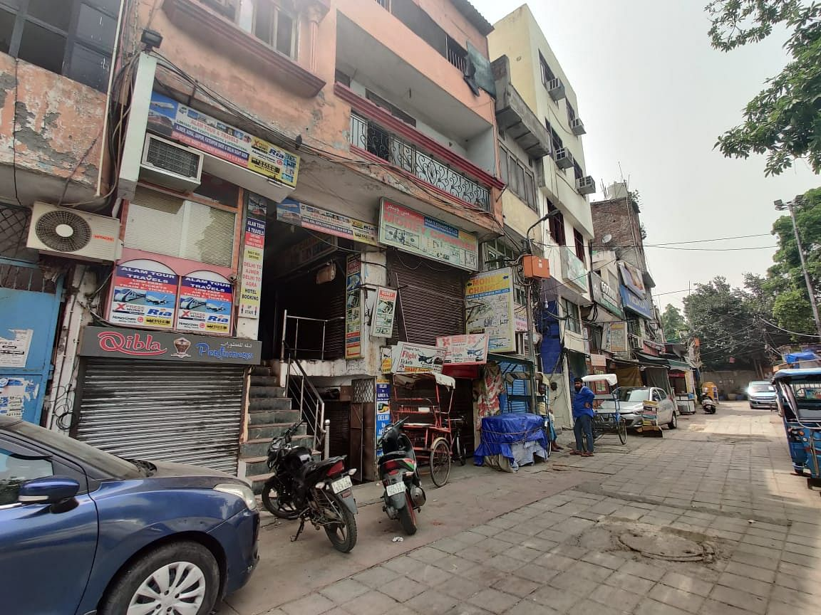 The shops on the left and opposite to the Markaz were all closed.
