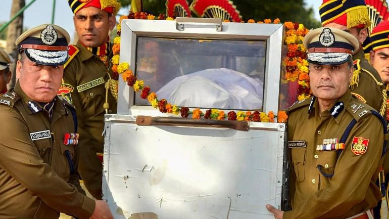 Tributes were paid to Lal in a ceremony New Police Lines, Kingsway Camp, on 25 February.