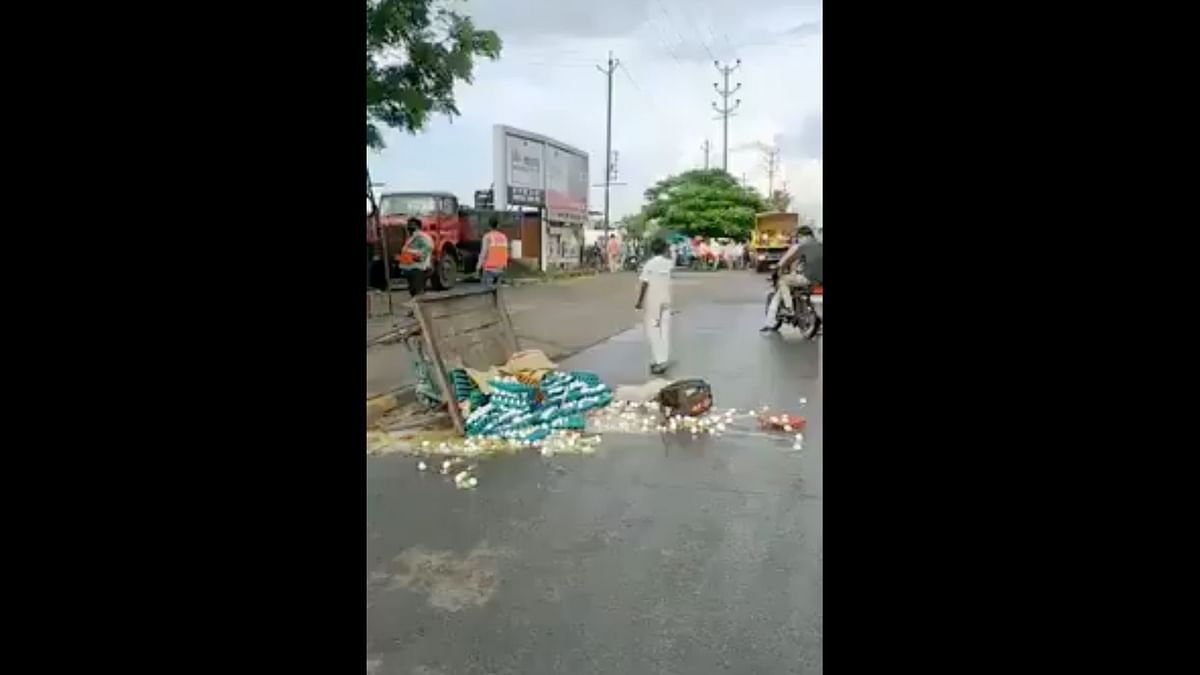 Support Pours in for Indore Egg Seller Whose Cart Was Overturned
