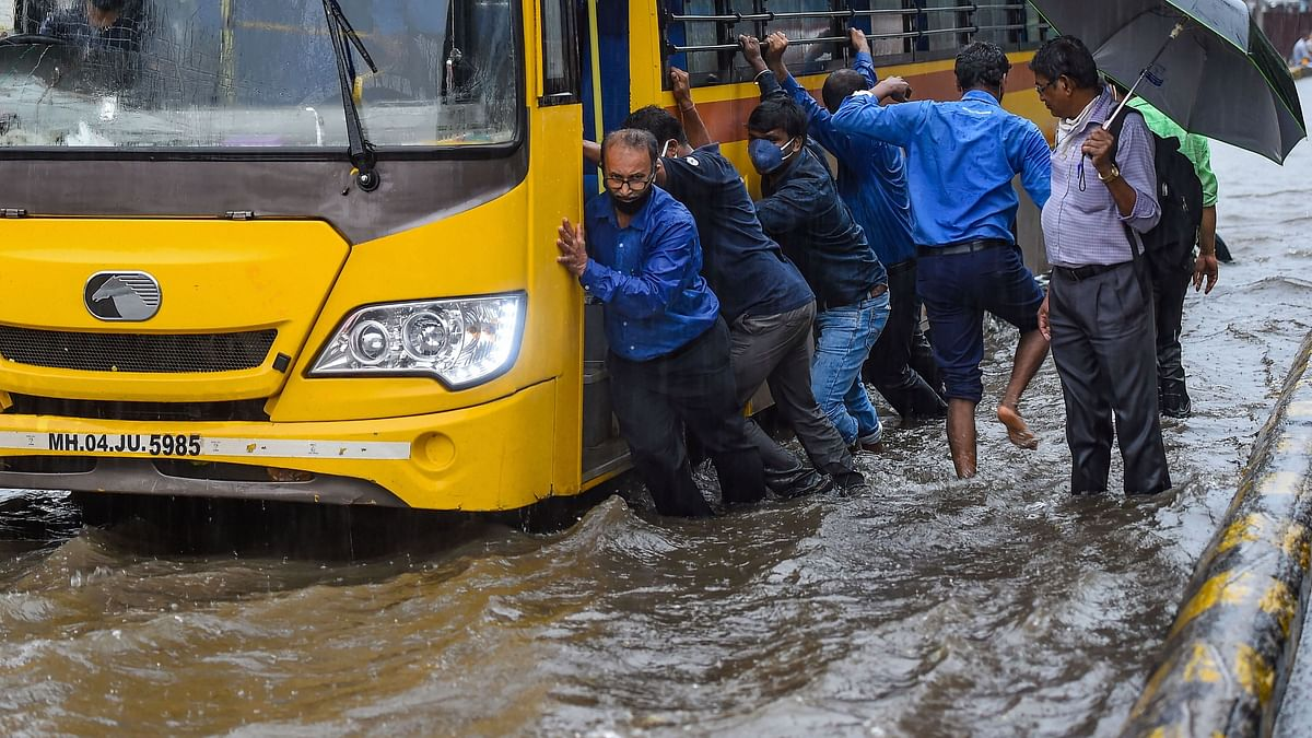 Rain Lashes Mumbai for 3rd Straight Day, Heavy Showers in Forecast